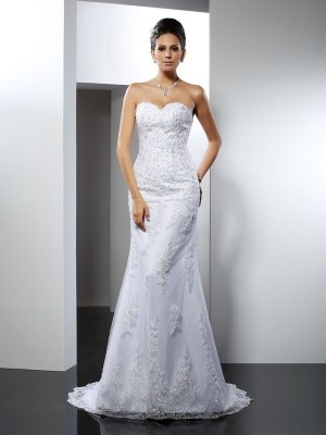 Trumpet/Mermaid Sweetheart Sleeveless Lace Court Train Satin Wedding Dresses