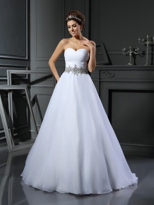 Ball Gown Sweetheart Sleeveless Satin Beading Court Train Wedding Dresses