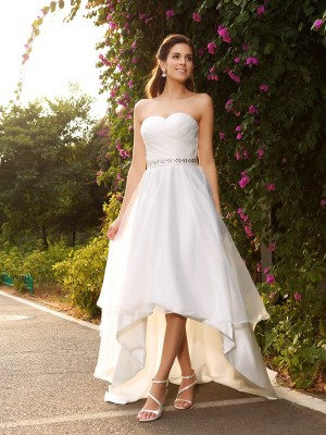 A-Line/Princess Sleeveless Sweetheart Asymmetrical Organza Beading Wedding Dresses