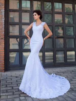 Trumpet/Mermaid V-neck Sleeveless Satin Applique Chapel Train Wedding Dresses