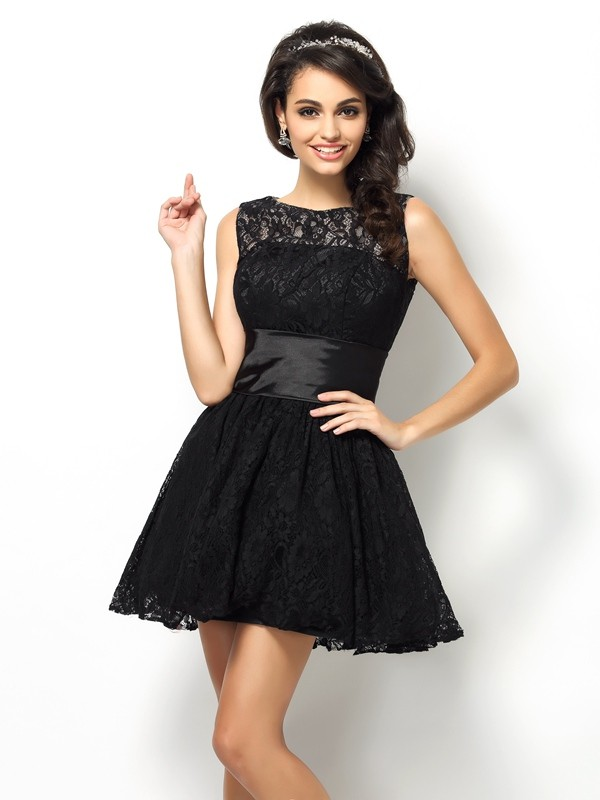 A-Line/Princess Bateau Lace Sleeveless Short Lace Bridesmaid Dresses