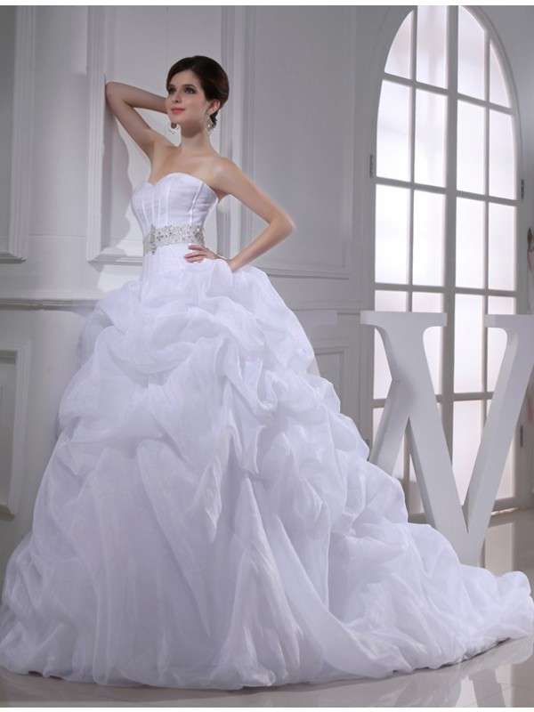 Ball Gown Beading Sweetheart Sleeveless Long Organza Wedding Dresses