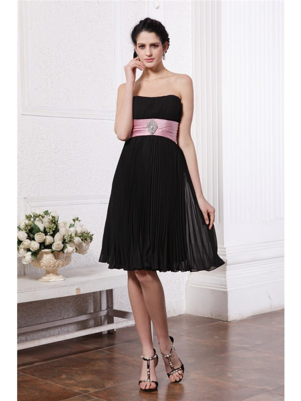 A-Line/Princess Strapless Sleeveless Sash Beading Short Chiffon Bridesmaid Dresses