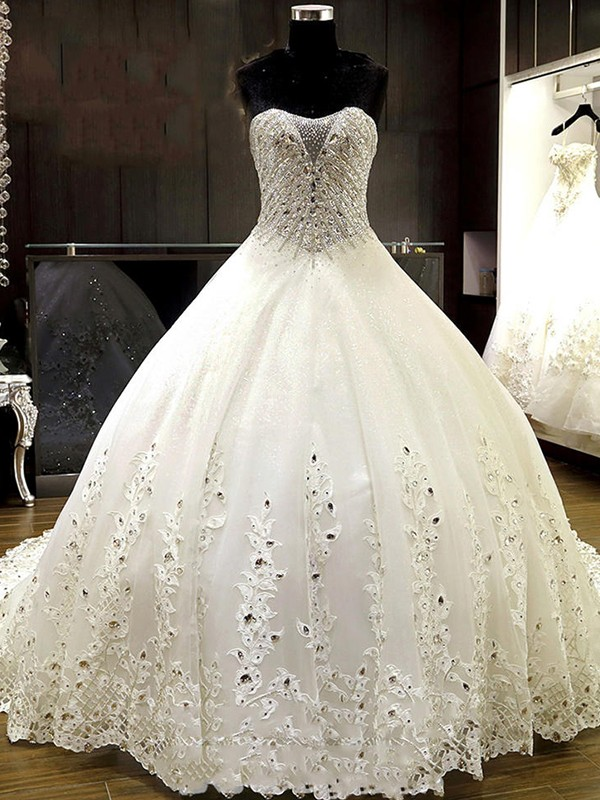 Glamorous Ball Gown Sweetheart Tulle Sleeveless Cathedral Train Wedding Dress