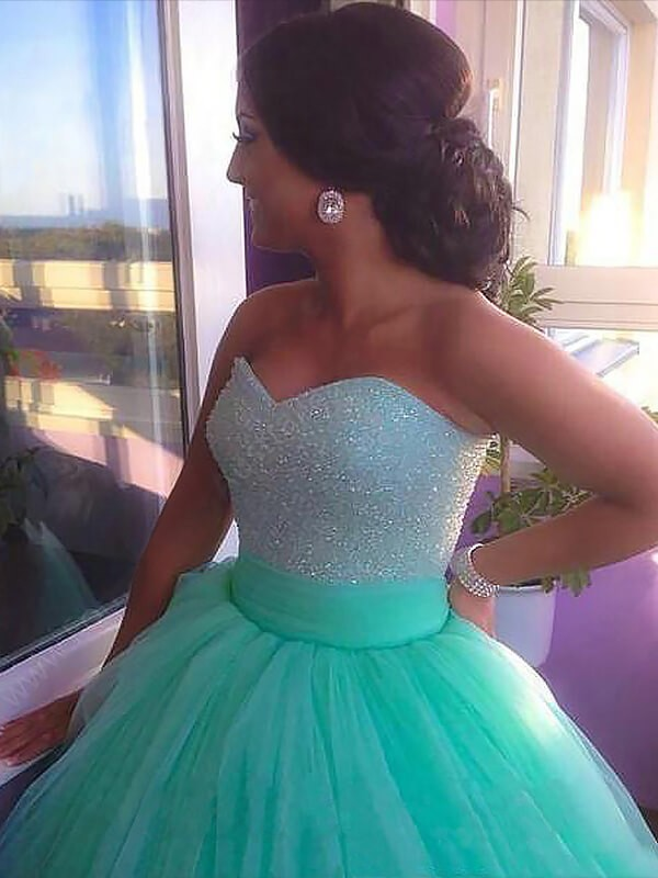 Ball Gown Sleeveless Sweetheart Tulle Sweep/Brush Train Beading Plus Size Dresses
