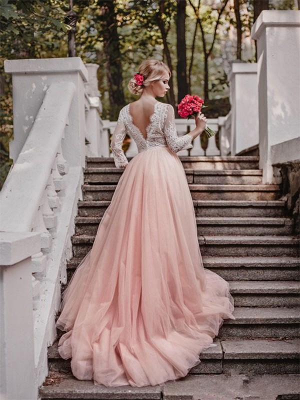 Ball Gown V-neck Court Train Long Sleeves Tulle Wedding Dress